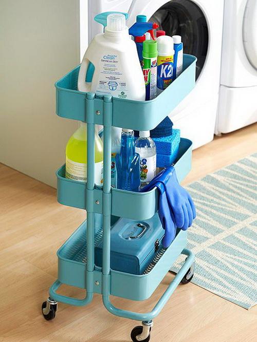 Столик на колесиках для моющих средств